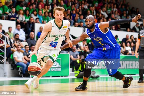 Heiko Schaffartzik of Nanterre and Louis Campbell of Levallois during the Jeep Elite match between Nanterre and Levallois Metropolitans at Palais des...