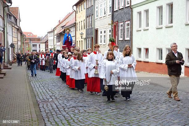 Heilbad Heiligenstadt Palmsonntagsprozession von katholischen Gläubigen im thüringischen Eichsfeld Am letzten Fastensonntag vor Ostern wird an den...