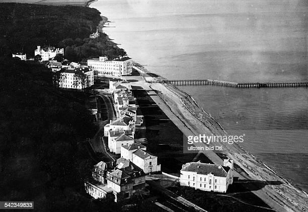 HeiligendammBlick auf den Strand mit Hotelbauten 1942