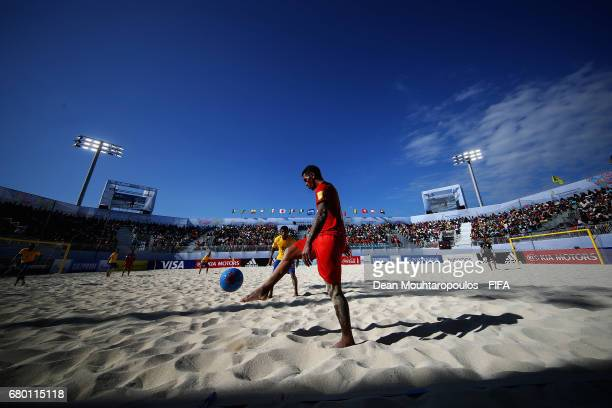 Heimanu Taiarui of Tahati in action during the FIFA Beach Soccer World Cup Bahamas 2017 final between Tahiti and Brazil at National Beach Soccer...