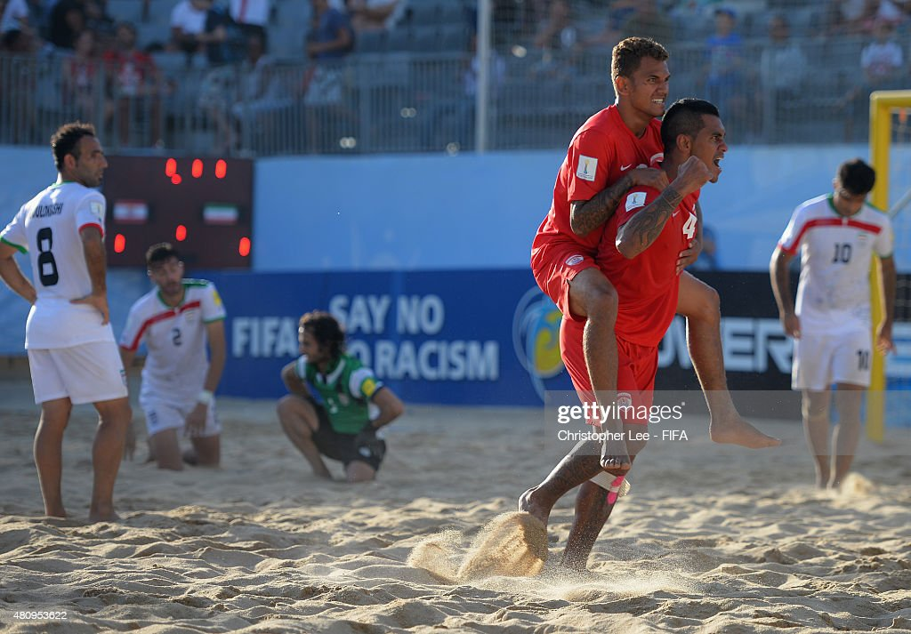 Tahiti v Iran: Quarter-final - FIFA Beach Soccer World Cup : News Photo