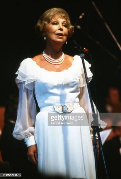 Heimat-Melodie 1987, Konzert der volkstümlichen Musik, Mitwirkende: Anneliese Rothenberger.