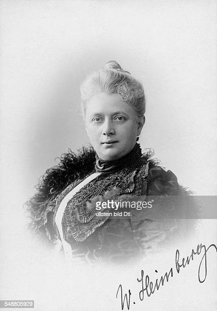 Heimburg Wilhelmine Writer Germany *07091848 nee Emilie Wilhelmine Bertha Behren Portrait Photographer Erwin Raupp ca 1900 Vintage property of...