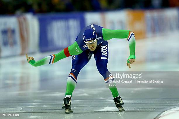Hein Otterspeer of Netherlands skates during the men 2nd 500m during day 3 of ISU Speed Skating World Cup at Thialf Ice Arena on December 13 2015 in...