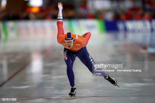 Hein Otterspeer of the Netherlands competes in the first men 1000m Division A race during Day 2 of the ISU World Cup Speed Skating at...