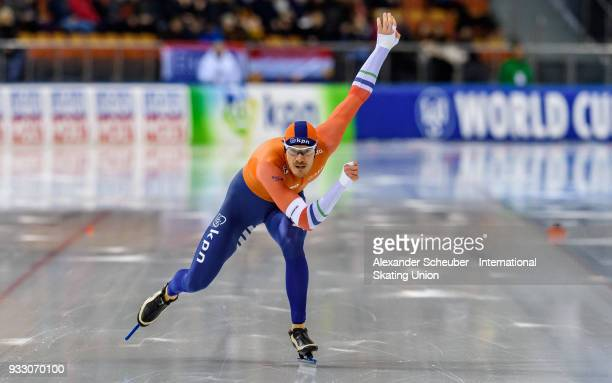 Hein Otterspeer of the Netherlands competes in the Mens 1000m Final during the ISU World Cup Speed Skating Final at Speed Skating Arena on March 17...