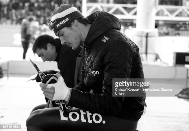 Hein Otterspeer of the Netherlands prepares during Day 2 of the ISU World Cup Speed Skating at Soermarka Arena on November 18 2017 in Stavanger Norway