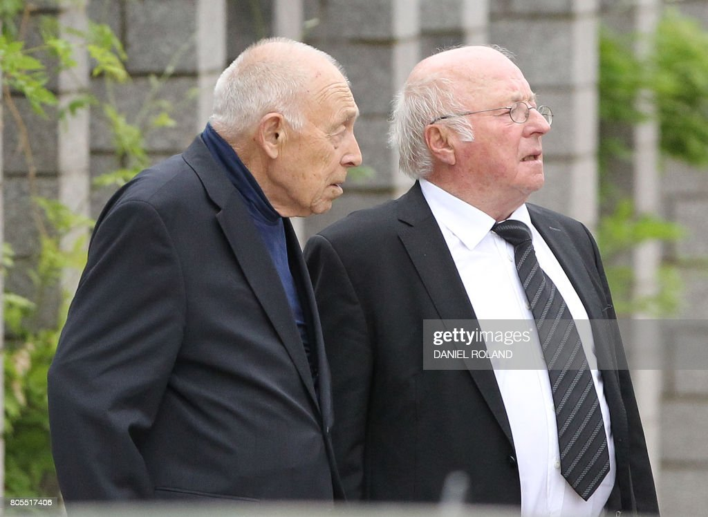 Heiner Geissler and Norbert Bluem arrive for a memorial service for late former Chancellor Helmut Kohl on July 1, 2017 at the cathedral in Speyer. Helmut Kohl, the former German chancellor who seized the chance to reunite his country after years of Cold War separation, died at the age of 87 on June 16, 2017. / AFP PHOTO / Daniel ROLAND