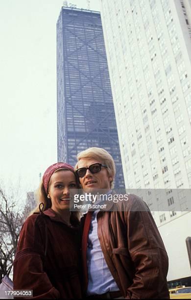 Heino Ehefrau Hannelore Kramm John HancockObservatorium Chicago Illinois Amerika getönte Brille Sonnenbrille Stadtbummel Schlager VolksmusikSänger...