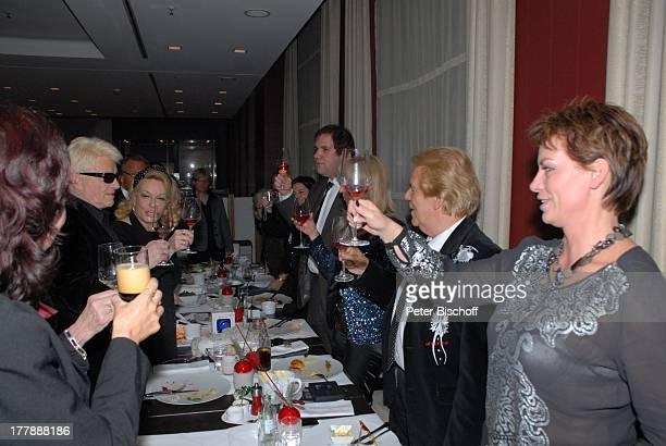 Heino Ehefrau Hannelore Kramm Susanne Beck Mel Jersey Ehefrau Judith Jan Mewes und weitere Gäste Feier zum 72 Geburtstag von Heino nach TVGala von...