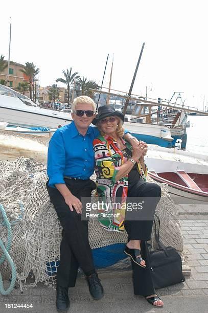 Heino, Ehefrau Hannelore Kramm, Urlaub, Port d Andraitx/Mallorca/Balearen/Spanien, , Hafen, Mittelmeer, Schiff, Segelboot, Volksmusik, Sänger, Hut,...