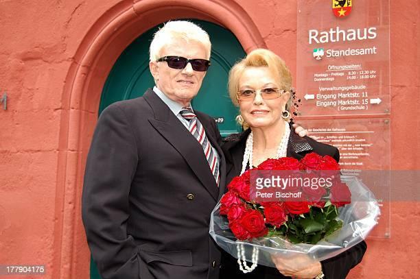 Worlds Best Goldene Hochzeit Stock Pictures Photos And