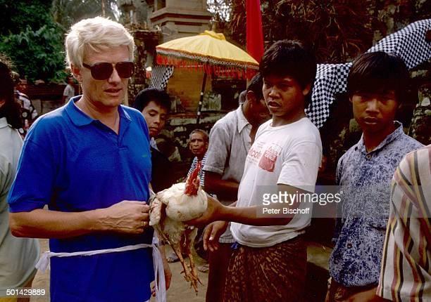 Heino einheimische Kinder JubiläumsFlitterwochen zum 10 Hochzeitstag Insel Bali Indonesien Asien Urlaub Jubiläum HinduTempel Hahn Hahnenkampf...