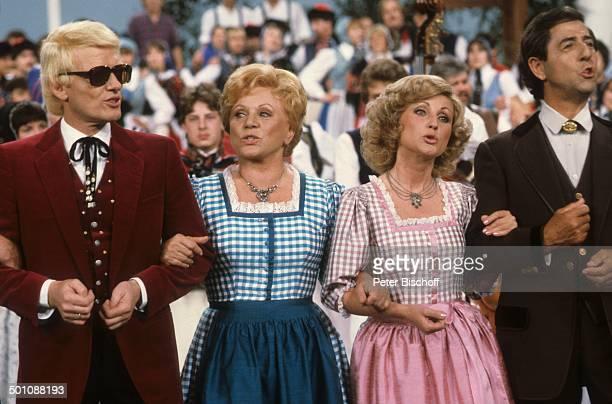 Heino Maria Morgot Hellwig Vico Torriani Die Superhitparade der Volksmusik ZDFShow Deutschland Europa Sonnenbrille getönte Brille klatschen Publikum...