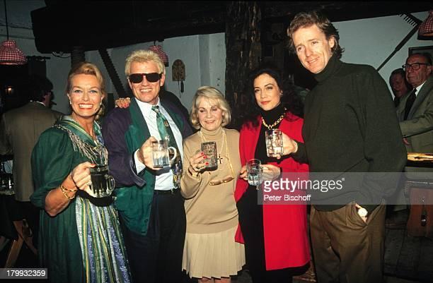 Heino mit Ehefrau Hannelore Kramm IdaKrottendorf mit Tochter Barbara Wussow mitEhemann Albert Fortell Wien/ sterreichUrlaub Sonnenbrille...