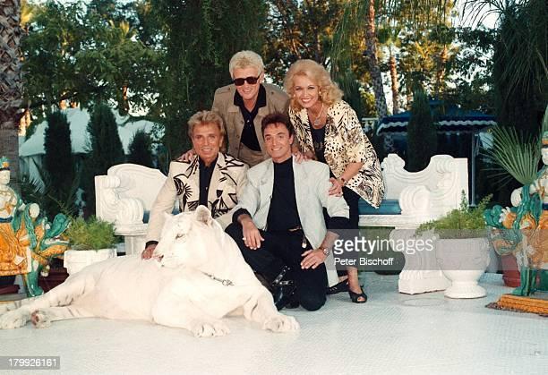 Heino mit Ehefrau Hannelore Kramm Siegfried Roy Homestory DschungelPalast Las Vegas Nevada USA Löwe Tier Amulett Bildnis des Pater Pio am Hals von...