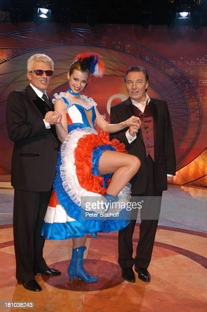 Heino Nora Mogalle Karel Gott ZDFMusikShow Willkommen bei C a r m e n N e b e l Offenburg Ortenauhalle Bühne Auftritt Moulin RougeNummer CanCanKleid...