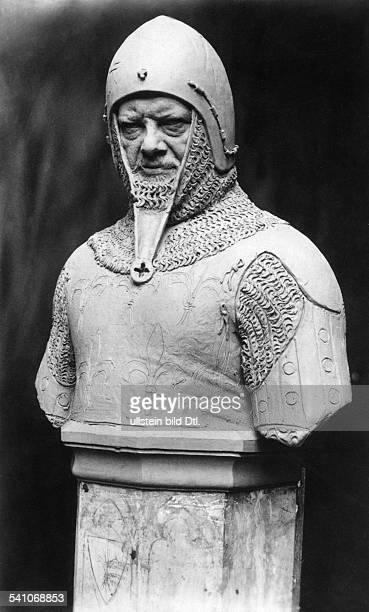 Heinrich Zille *10011858Bildender Künstler Zeichner Fotograf DDenkmal als Ritter 'Wedigo von Plotho' in der Siegesallee Berlin 1928