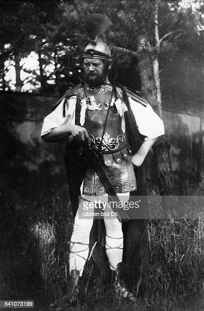 Heinrich Zille *10011858Bildender Künstler Zeichner Fotograf DPorträt als Wedigo von Plotho 1901