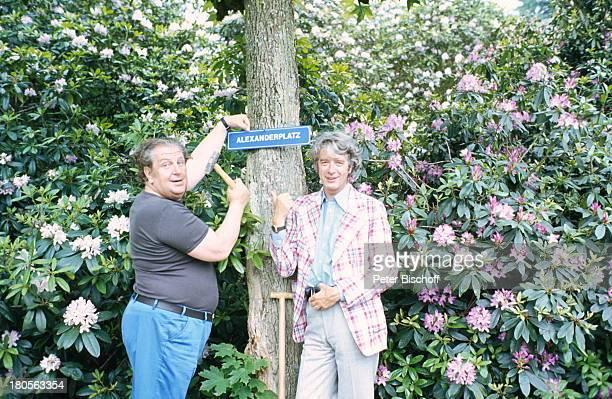 Heinz Eckner Rudi Carrell HomestoryWachendorf/Bremen Lebensbaum für SohnAlexander Pflanzen Showmaster Moderator Entertainer