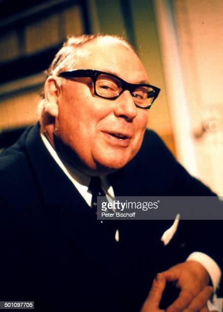 Heinz Erhardt Porträt geb 20 Februar 1909 Sternzeichen Fische gestorben 05 Juni 1979 ZDFFilmKomödie Das hat man nun davon Düsseldorf...