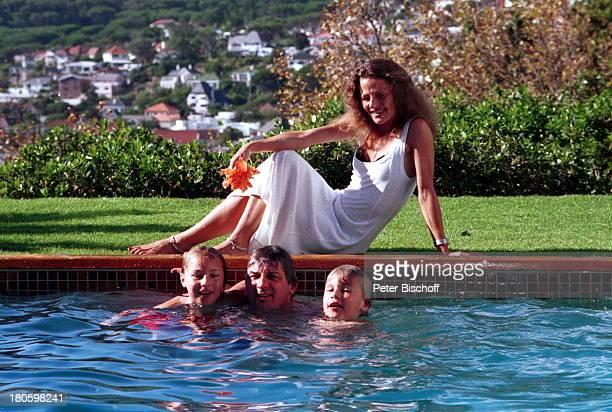Heinz Hoenig Ehefrau Simone Hoenig Tochter Paula Hoenig Sohn Lucas Hoenig Mietvilla in Kapstadt Südafrika Afrika Pool baden Familie Schauspieler