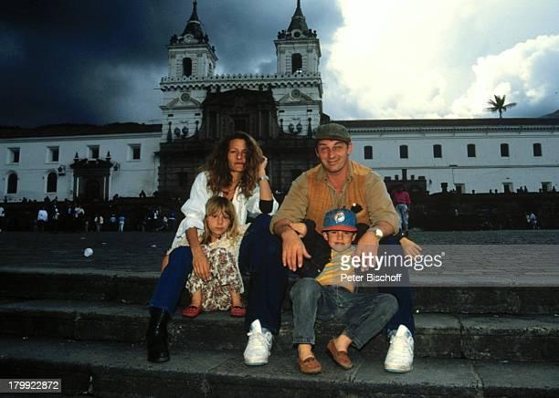 Heinz Hoenig Ehefrau Simone TochterPaula Sohn Lukas UrlaubQuito/Ecuador/Südamerika Mütze Familie