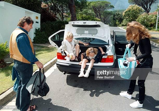 Heinz Hoenig mit Ehefrau Simone undKindern Paula Lukas bei Kapstadt Südafrika Afrika Urlaub Familie