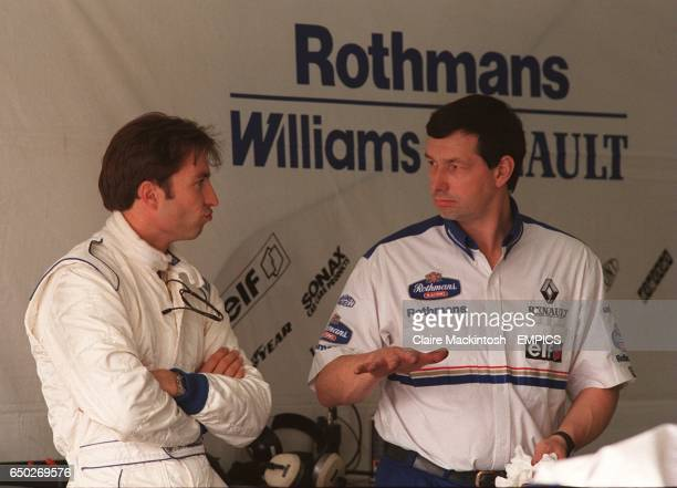 HeinzHarald Frentzen talks to a Williams test engineer