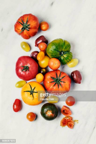 heirloom tomatoes - tomate photos et images de collection