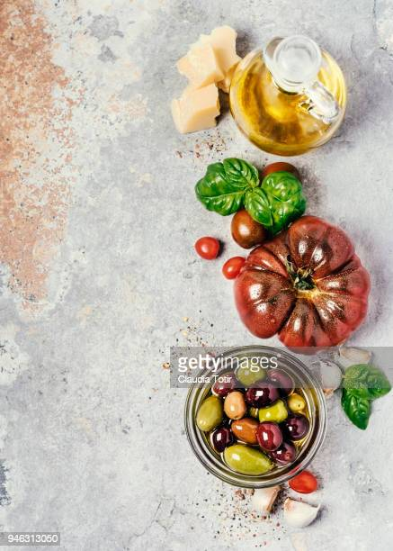 heirloom tomatoes - mediterranean food stock pictures, royalty-free photos & images