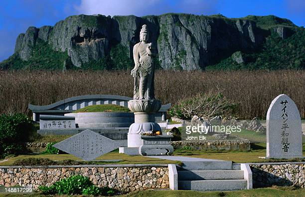 heiwa kannon memorial at banzai cliff. - 北マリアナ諸島 ストックフォトと画像