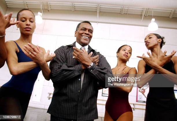 4/24/03 CREDIT Helayne Seidman FTWP Multiuse LOCATION New YorkNY CAPTION Arthur Mitchell artistic director of the Dance Theatre of Harlem with...