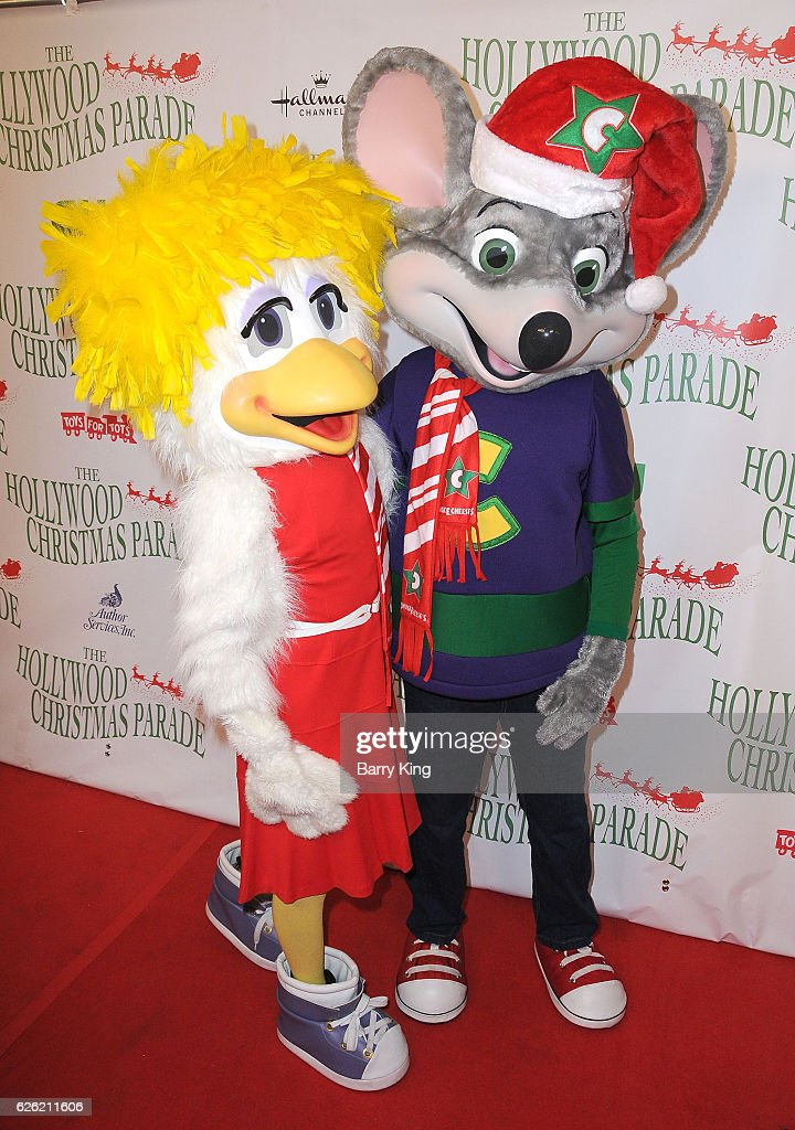 Chuck E Cheese Christmas.Helen Henny And Chuck E Cheese Attend The 85th Annual