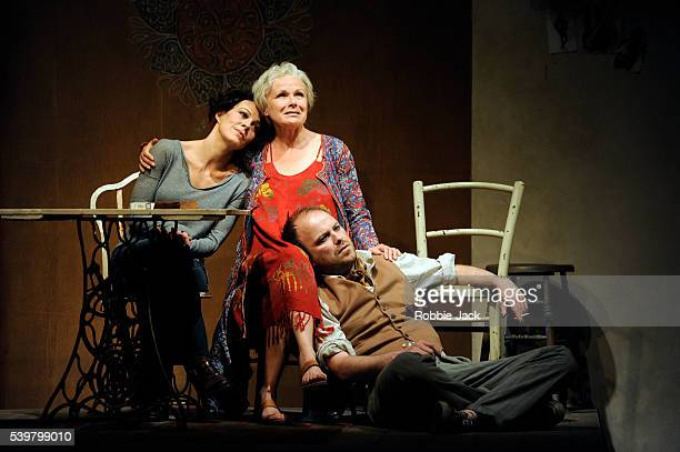 Helen McCrory as Libby Julie Walters as Judy and Rory Kinnear as Nick in Stephen Beresford's The Last of the Haussmans directed by Howard Davies at...