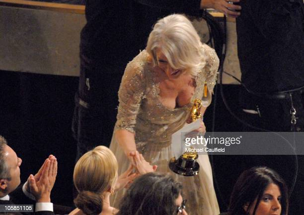 Helen Mirren accepts Best Actress in a Leading Role award for 'The Queen'