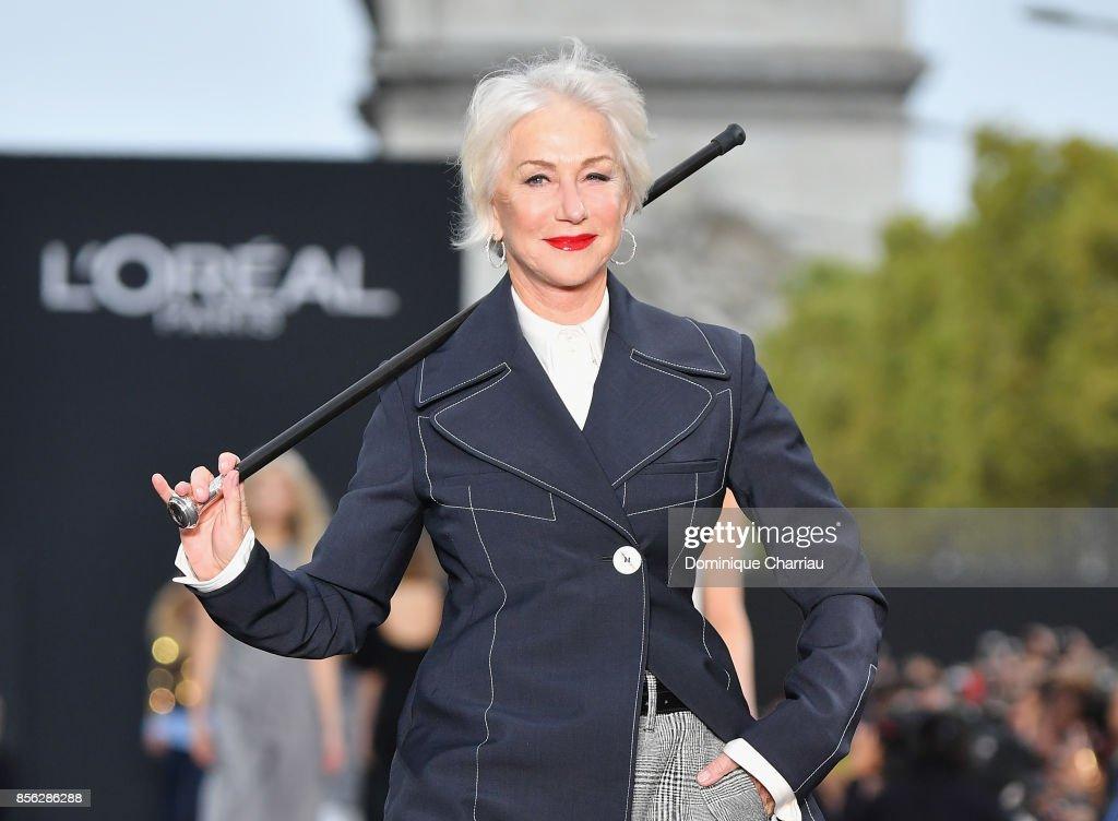 Le Defile L'Oreal Paris : Runway  - Paris Fashion Week Womenswear Spring/Summer 2018 : News Photo