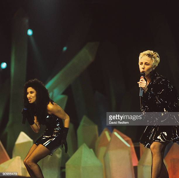 Helen 'Pepsi' DeMacque left and Shirlie Holliman perform on stage circa 1987