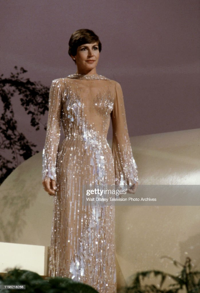 Helen Reddy Appearing On 'The Helen Reddy Special' : News Photo