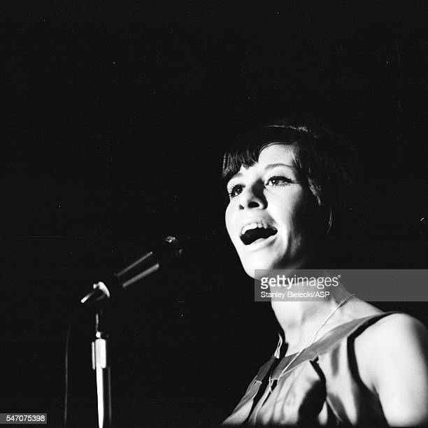 Helen Shapiro performs in Oldham United Kingdom 1965