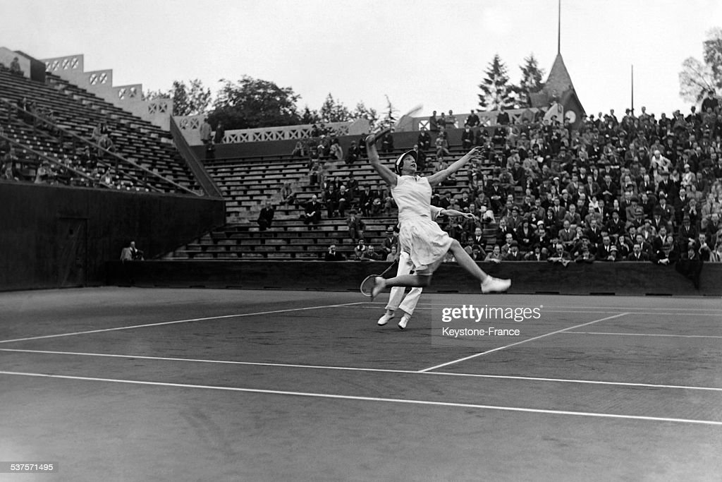 Helen Wills with his partner Elizabeth Ryan during the ladies' doubles' final at Roland- Garros stadium on May 29, 1932 in Paris, France.