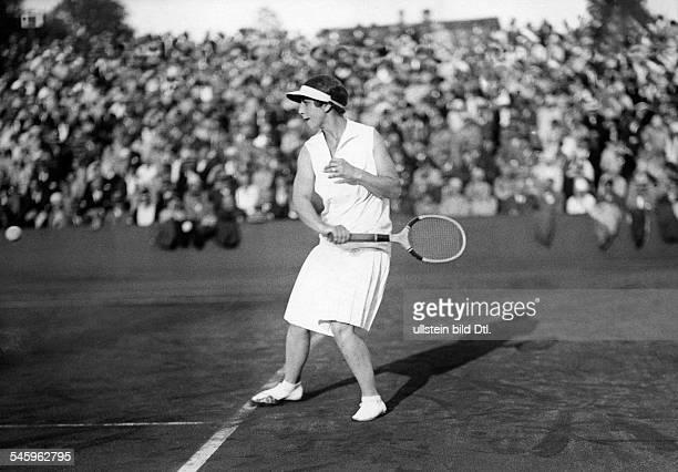 Helen WillsTennisspielerin USA im SpielRotWeissTurnier in BerlinGrunewald1929Foto G Riebicke