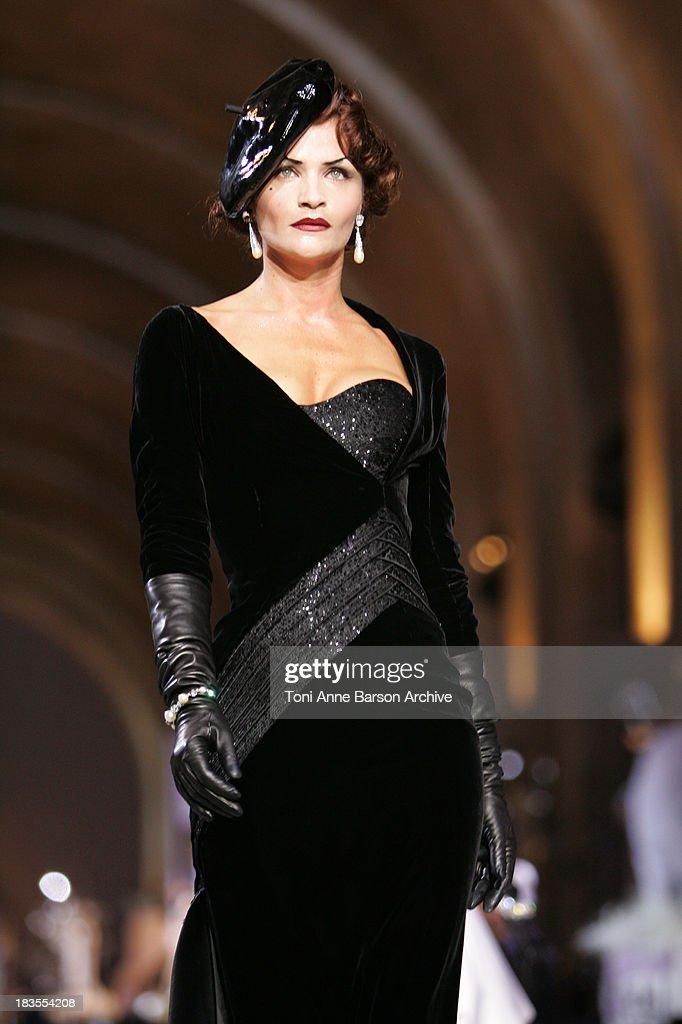 Paris Haute Couture Fashion Week Fall/Winter 2008 - Christian Dior 60th Anniversary - Show : Fotografía de noticias