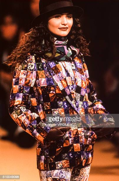 Helena Christensen walks the runway at the Kenzo Pret a Porter Autumn/Winter 19911992 fashion show during the Paris Fashion Week in March 1991 in...