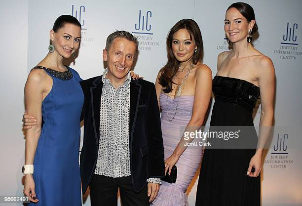 Helena Krobel Simon Doonan Lindsey Price and Amanda Gizzi attend the Jewelry Information Center's 8th Annual GEM Awards Gala at Gotham Hall on...