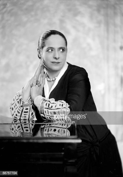 Helena Rubinstein American naturalized Polish beautician LIP16820