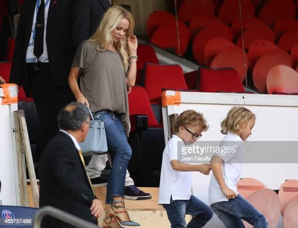 Helena Seger Ibrahimovic wife of Zlatan Ibrahimovic of PSG attends with her sons Vincent Ibrahimovic and Maximilian Ibrahimovic the French Ligue 1...