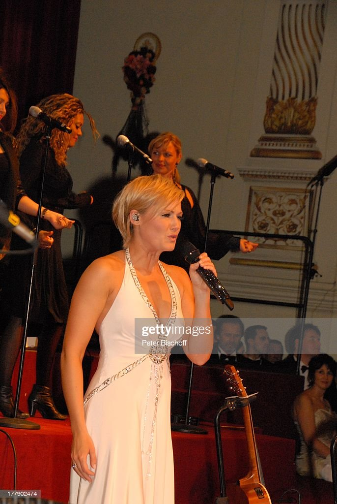 Helene Fischer (bekam überraschend 'St.Georgs-Orden' verliehen), : News Photo