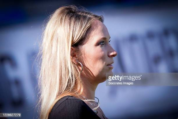 196 Helene Hendriks Photos And Premium High Res Pictures Getty Images
