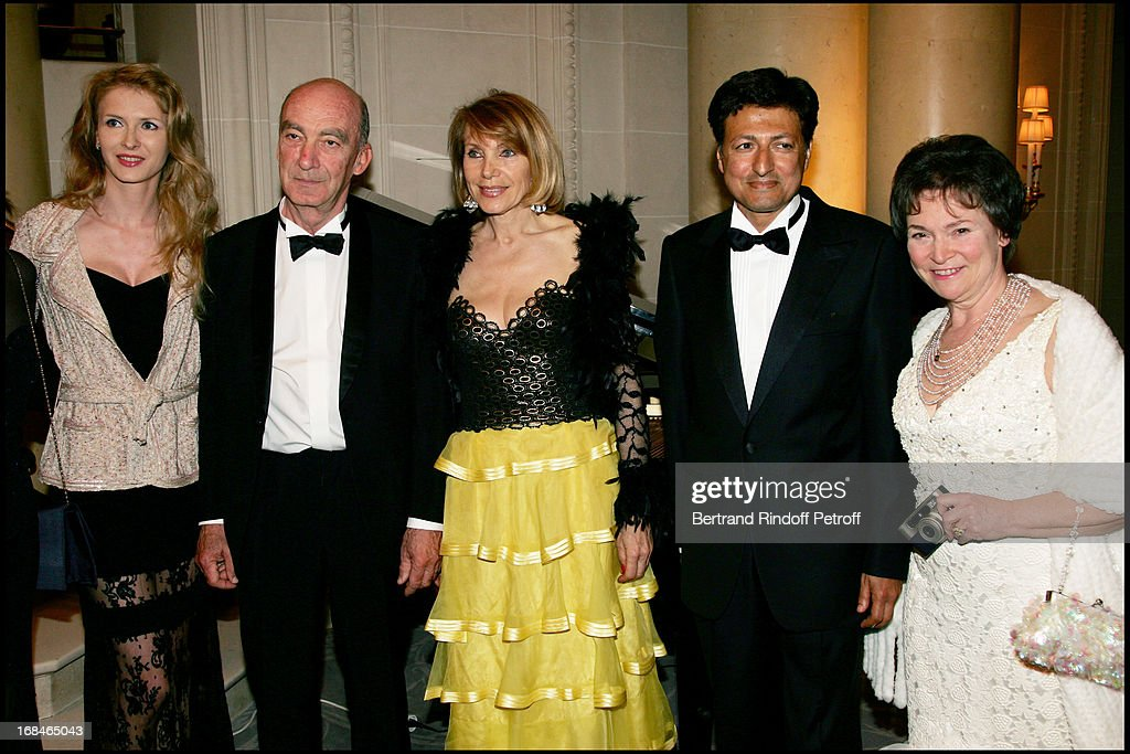 """Gala Evening """"April In Paris"""" At The Hotel George V : News Photo"""